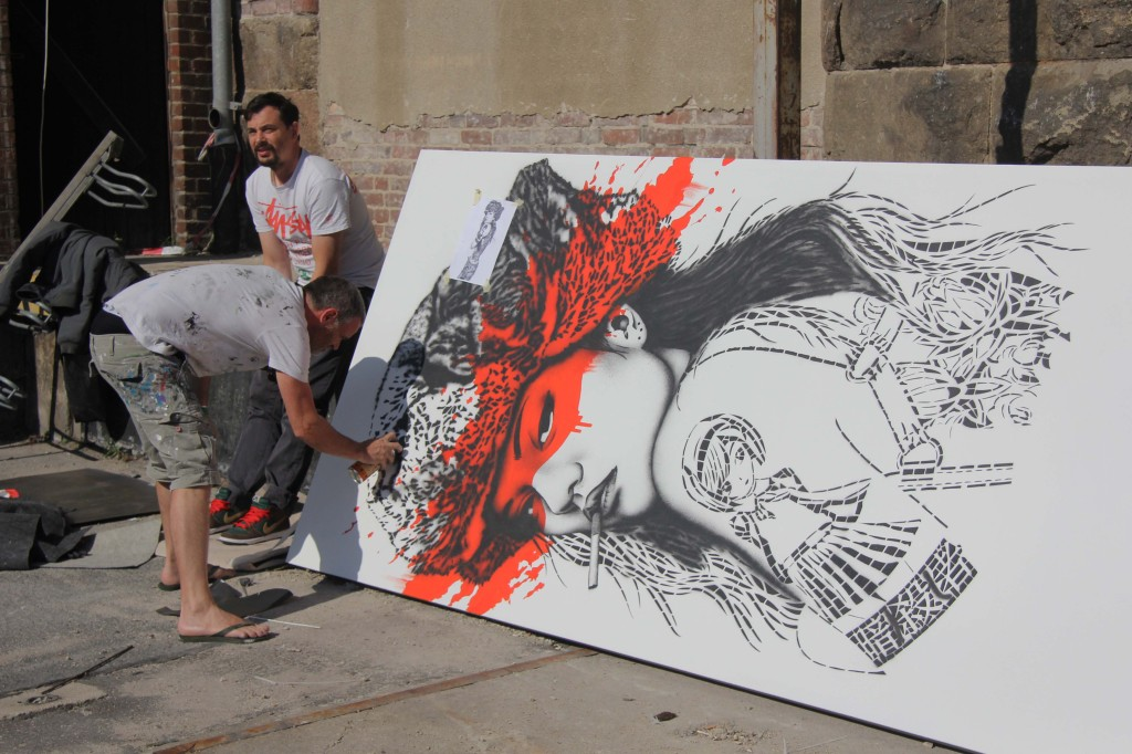 Fin Dac - Killer Instinct painting in progress at Stroke Urban Art Fair 2012 in Berlin