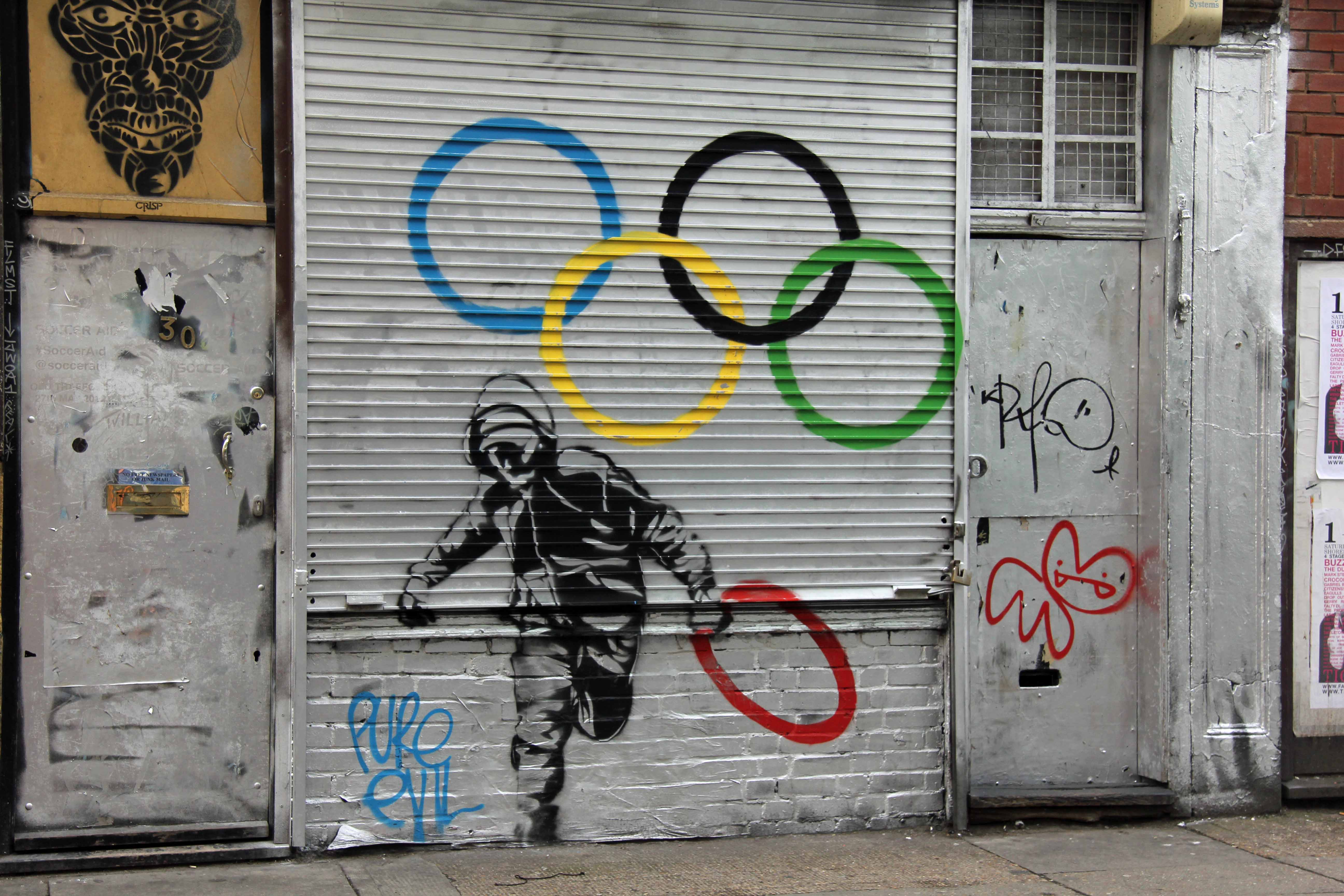 Ring Thief: Olympic inspired Street Art by Pure Evil in London