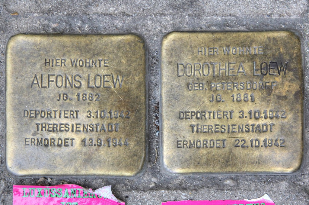 Stolpersteine 126a: In memory of Alfons Loew and Dorothea Loew (Danziger Strasse 28) in Berlin