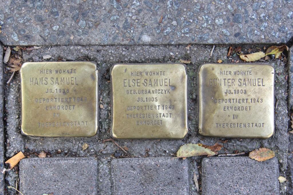 Stolpersteine 131: In memory of Hans Samuel, Else Samuel and Gunter Samuel (Near corner of Utrechter Strasse) in Berlin