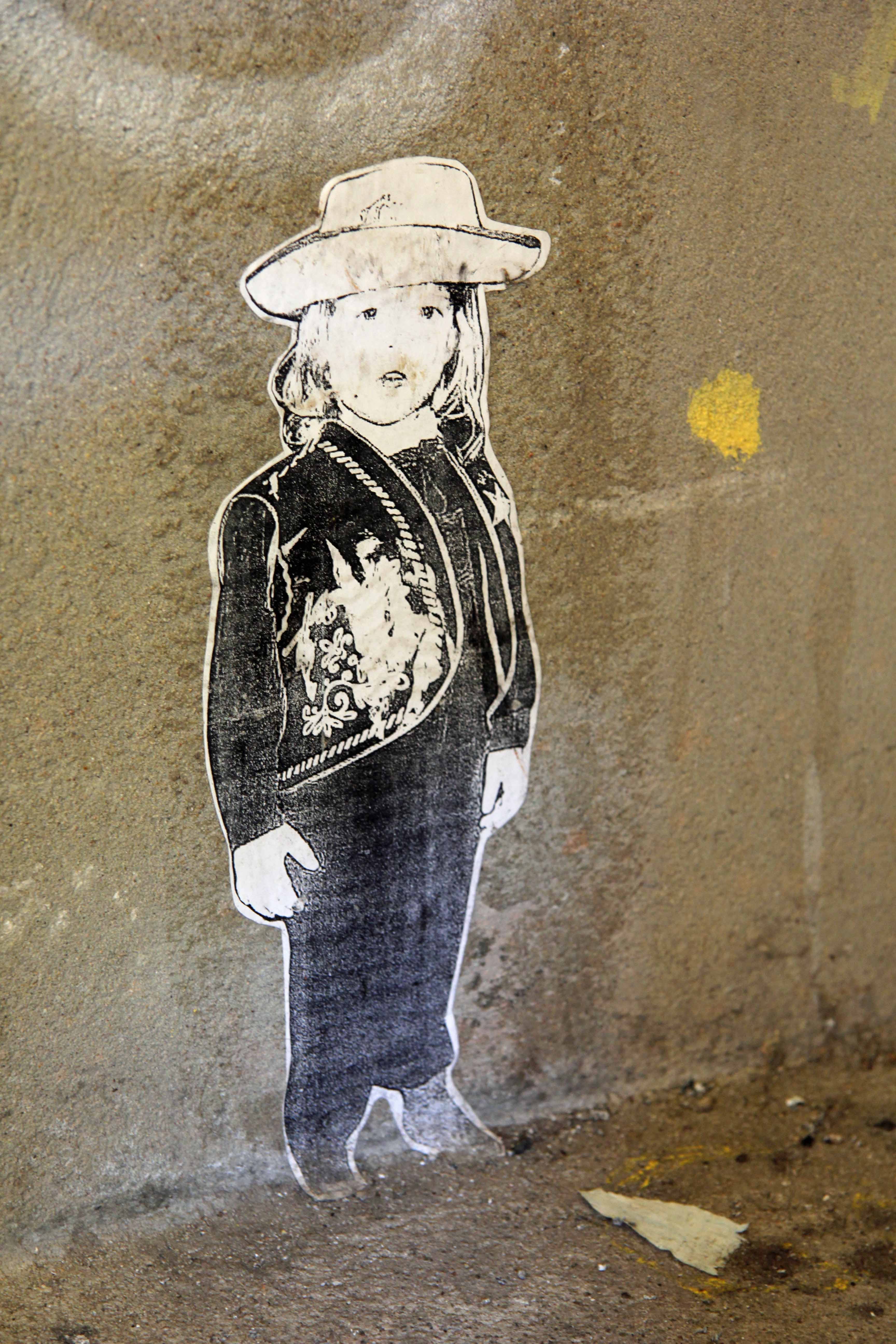 Little Girl: Street Art by Unknown Artist in Berlin