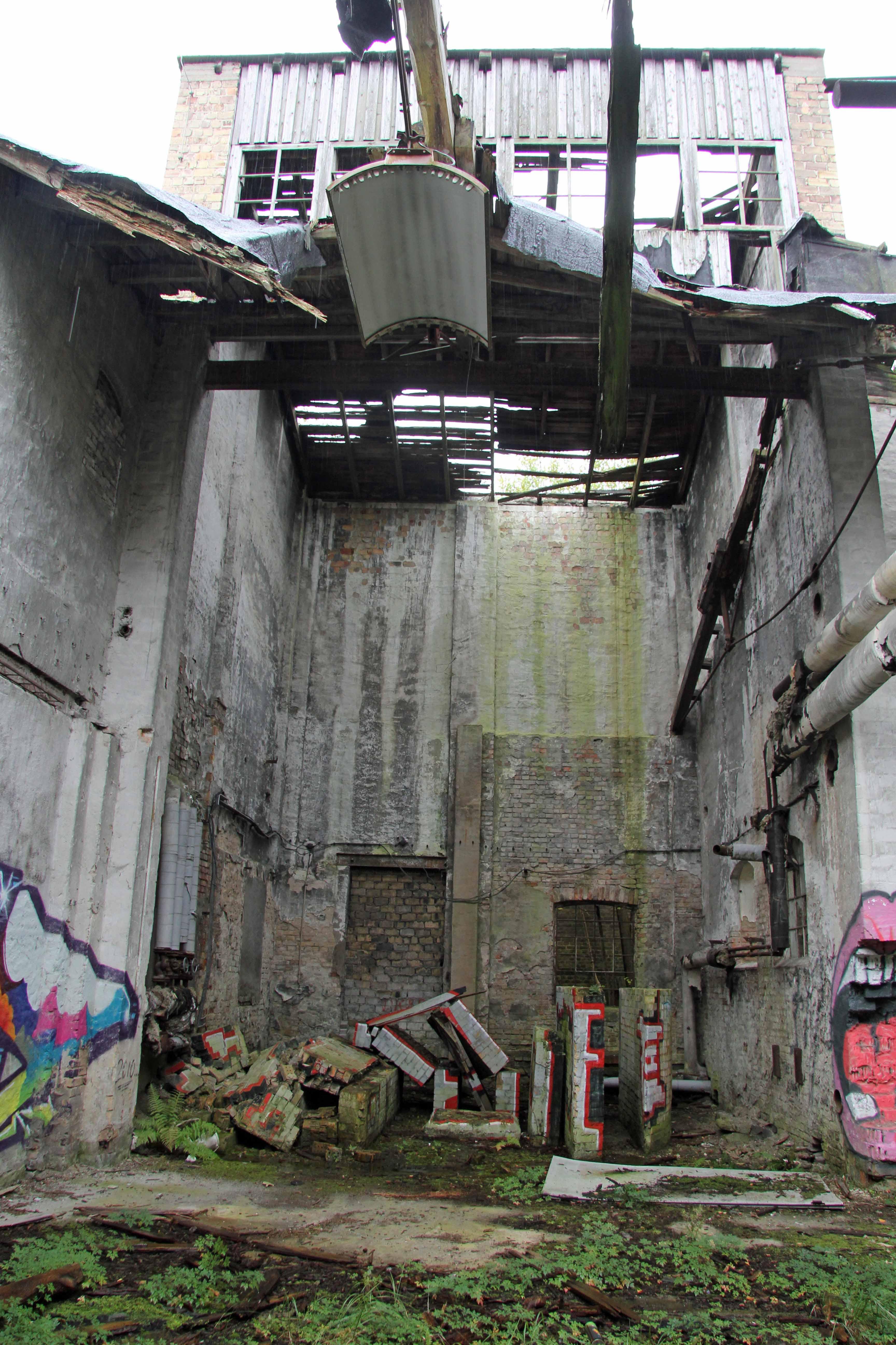 Missing Roof Papierfabrik Wolfswinkel, an abandoned paper mill near Berlin