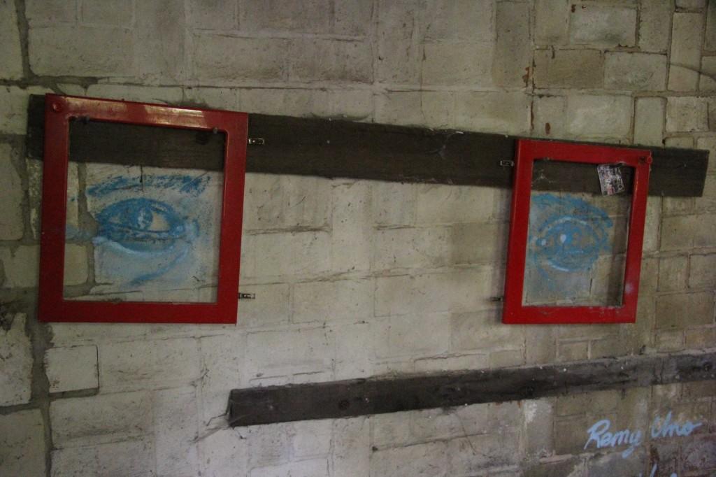 Spectacles: Street Art by Remy Uno at Papierfabrik Wolfswinkel near Berlin