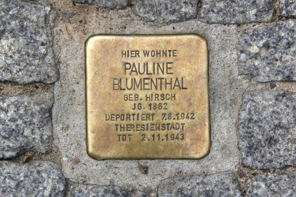 Stolpersteine 134: In memory of Pauline Blumenthal (Veteranenstrasse 10) in Berlin