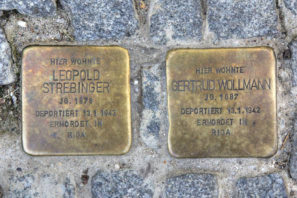 Stolpersteine 136: In memory of Leopold Strebinger and Gertrud Wollmann (Tieckstrasse 36) in Berlin