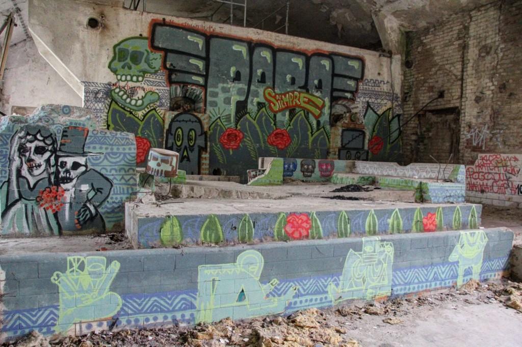 Para Siempre: Street Art by Unknown Artist at Papierfabrik Wolfswinkel near Berlin