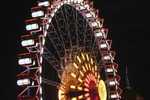 Snapshot: Ferris Wheel and Rotes Rathaus at Night