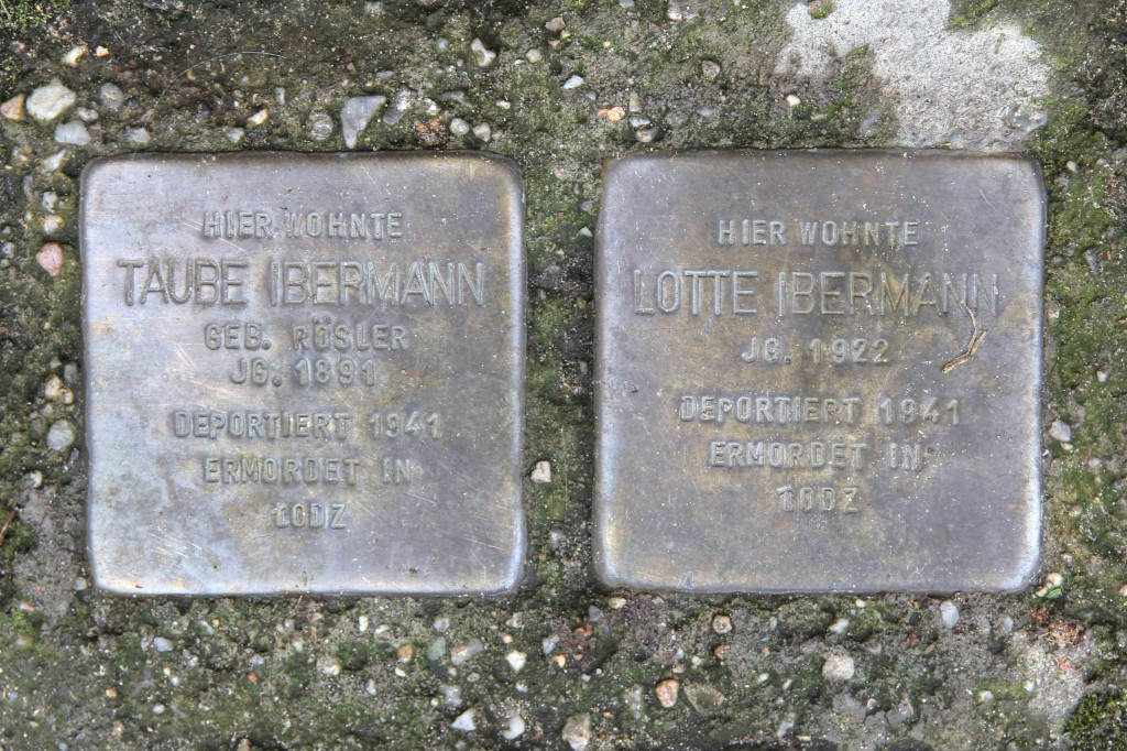 Stolpersteine Berlin 145: In memory of Taube Ibermann and Lotte Ibermann (Fehrbelliner Strasse 86)