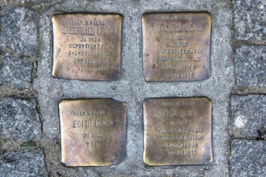 Stolpersteine Berlin 153: In memory of Siegfried Lewin, Adelheid Lewin, Edith Lewin and Helga Lewin (Ackerstrasse 1)