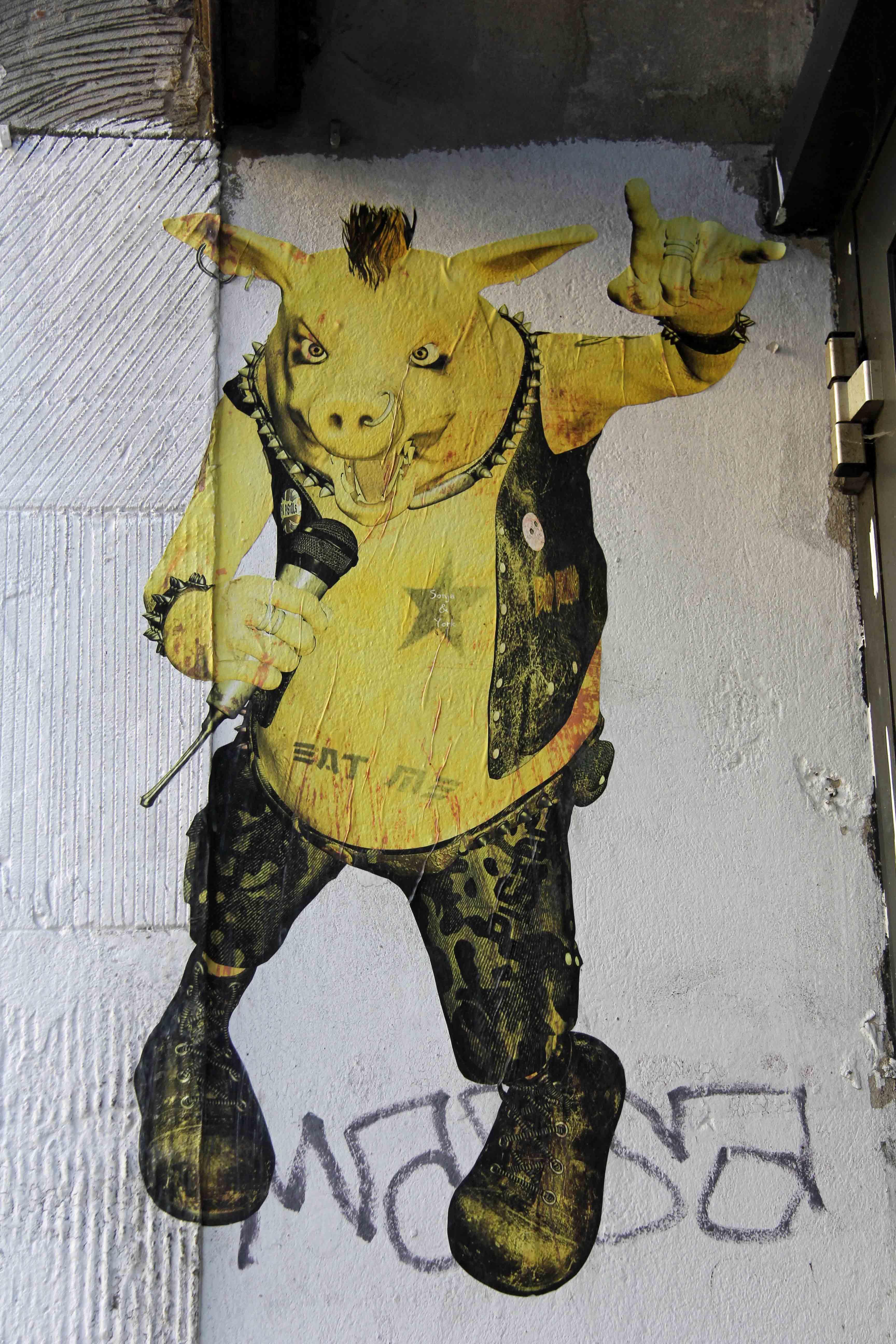 Punk Pig - Street Art by Unknown Artist in Berlin