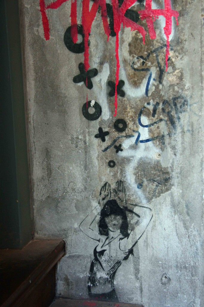 Bunny Ears - Street Art by XOOOOX in Berlin