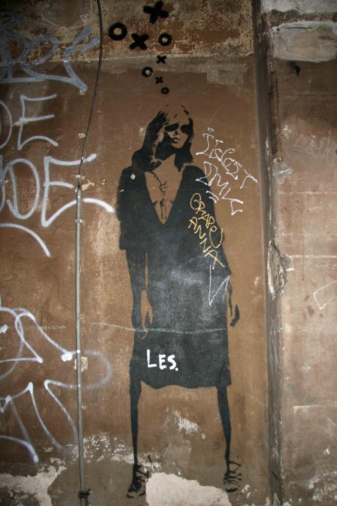 Model Pose - Street Art by XOOOOX in Berlin