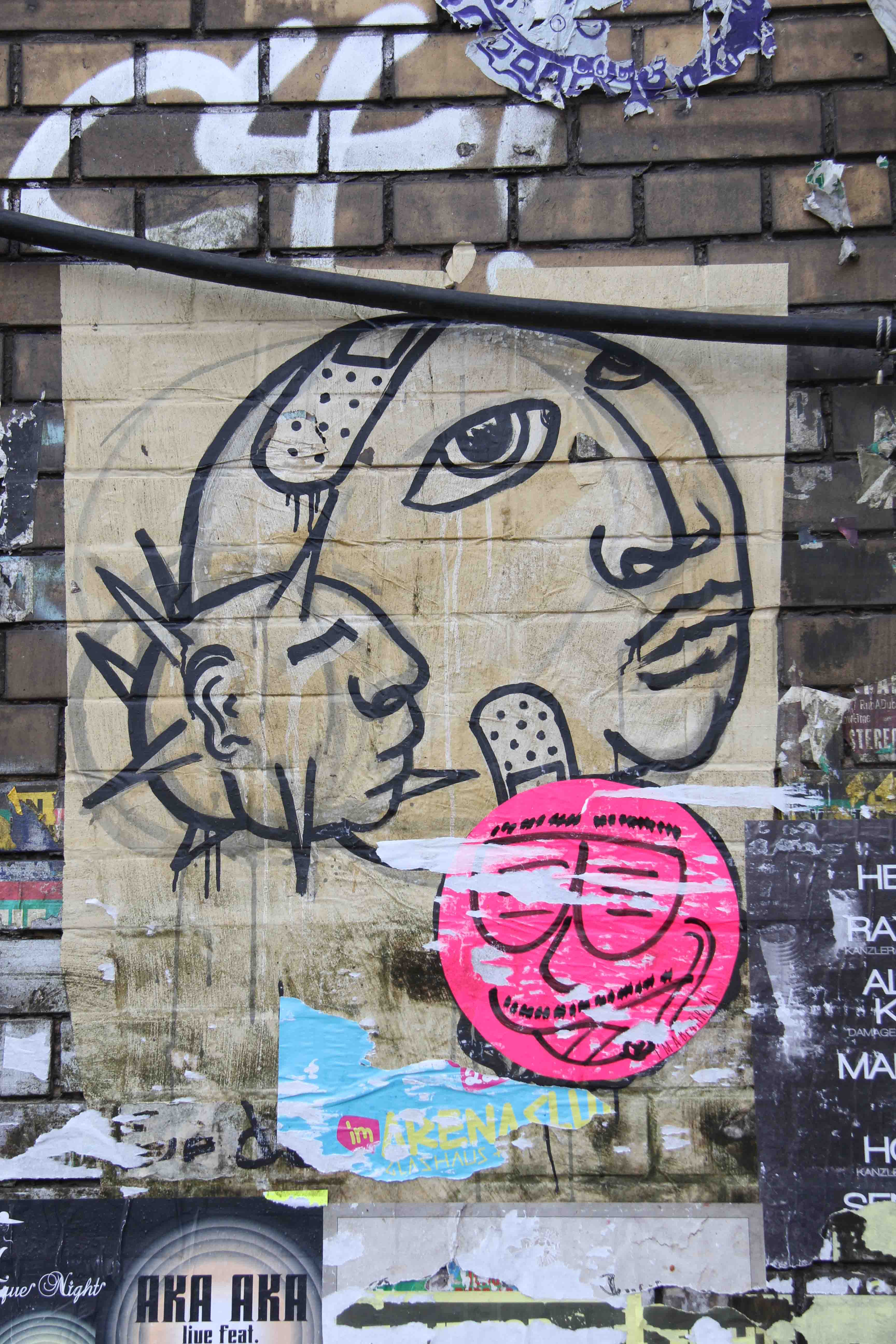 Heads and Plasters (Caffeine) - Street Art by Dede in Berlin