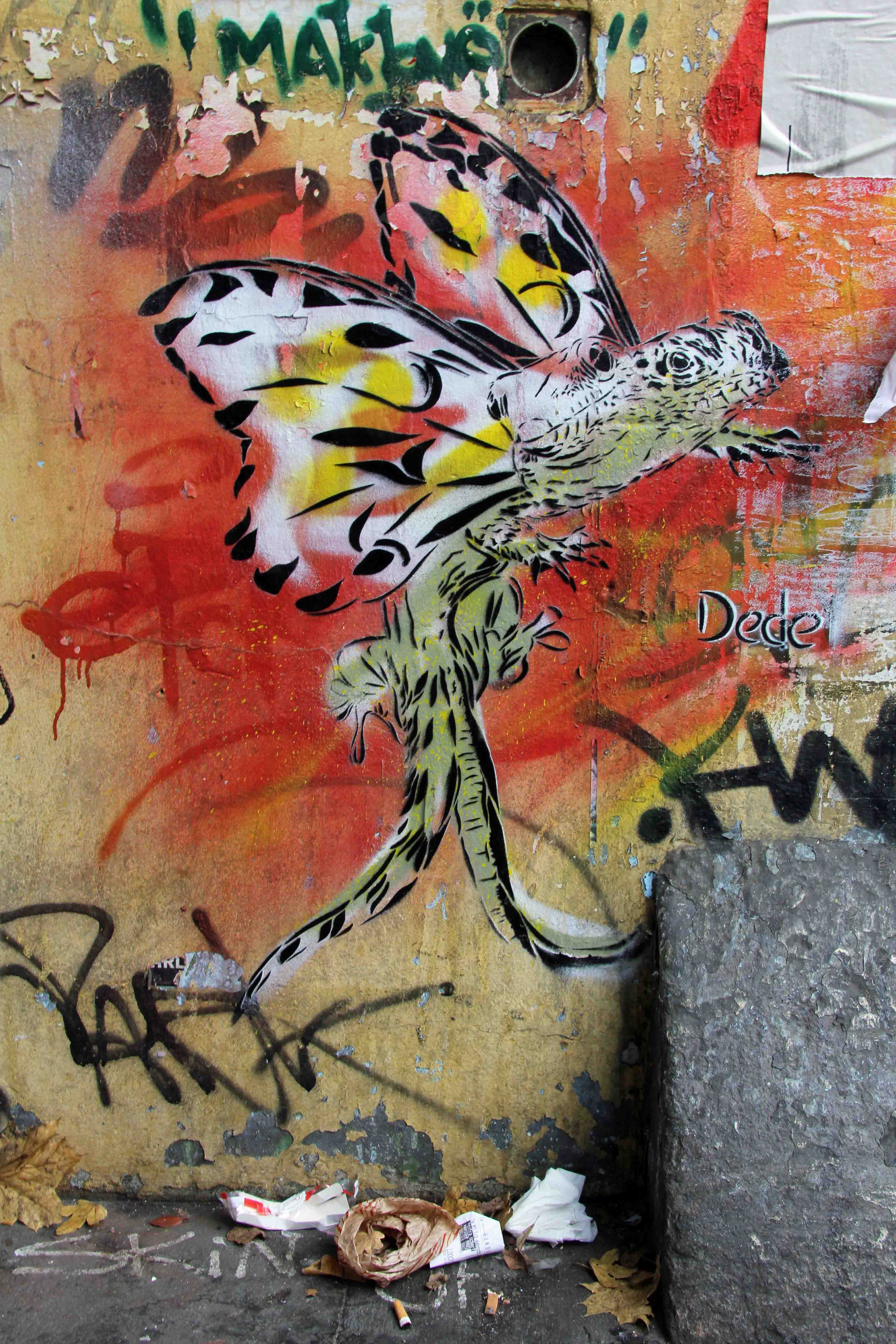 Lizard King (Wild Life) (Siamese Lizard With Butterfly Wings) - Street Art by Dede in Berlin