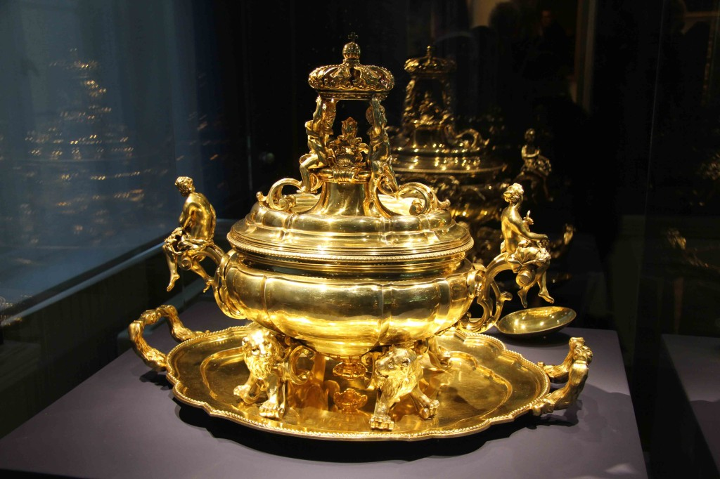 Gold serving dish at Schloss Charlottenburg in Berlin