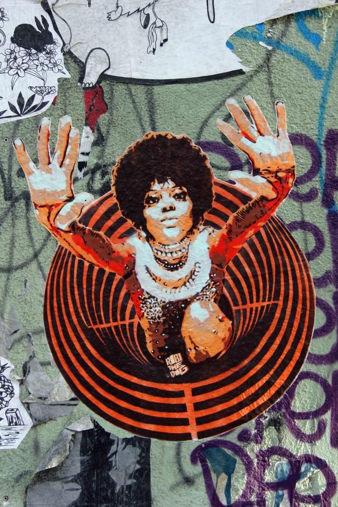 Soul Sister - Street Art by Robi The Dog in Berlin