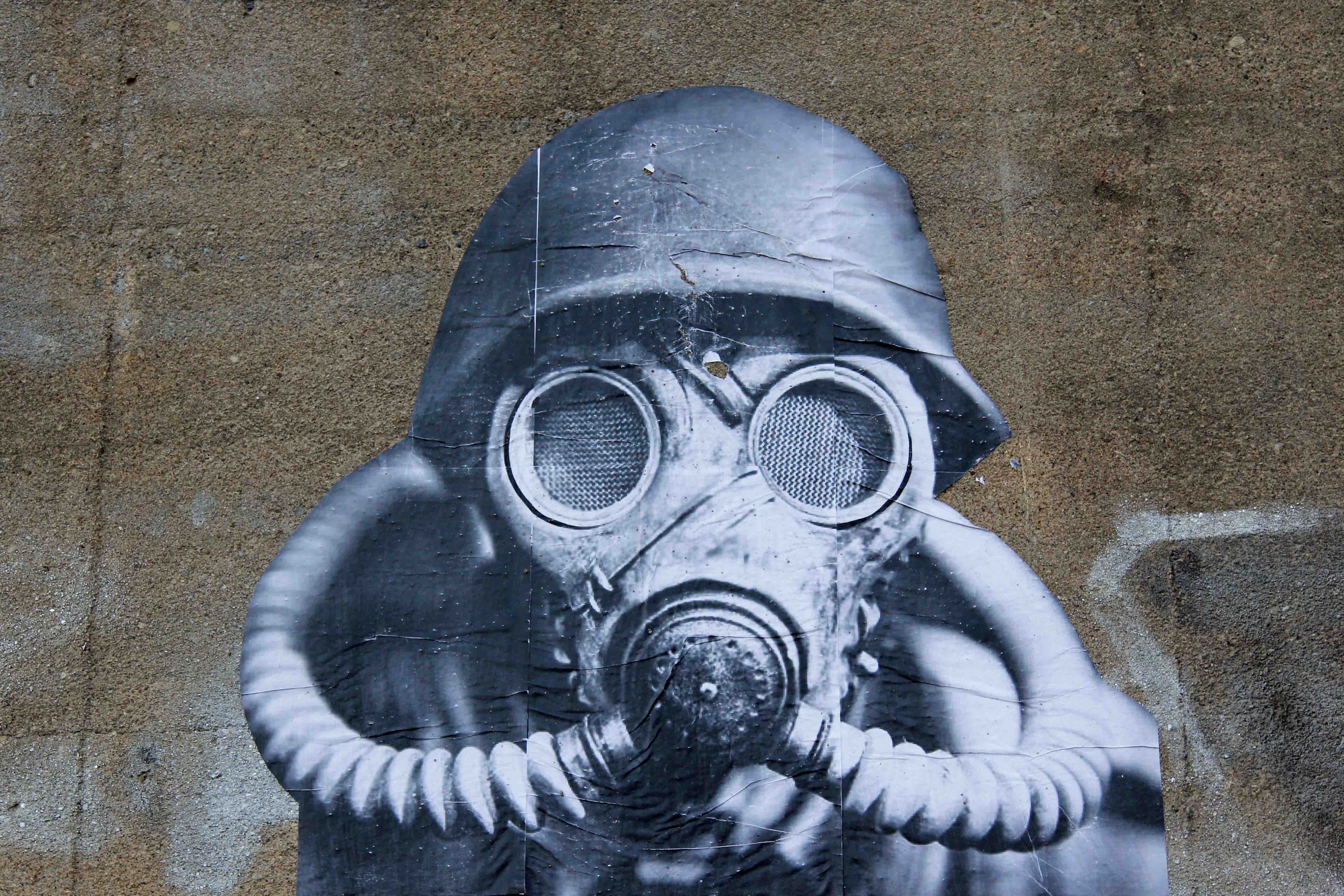 Masked Man - Street Art by SOON in Berlin