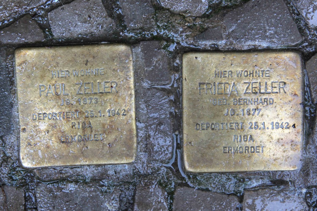 Stolpersteine Berlin 156: In memory of Paul Zeller and Frieda Zeller (Niebuhrstrasse 71)