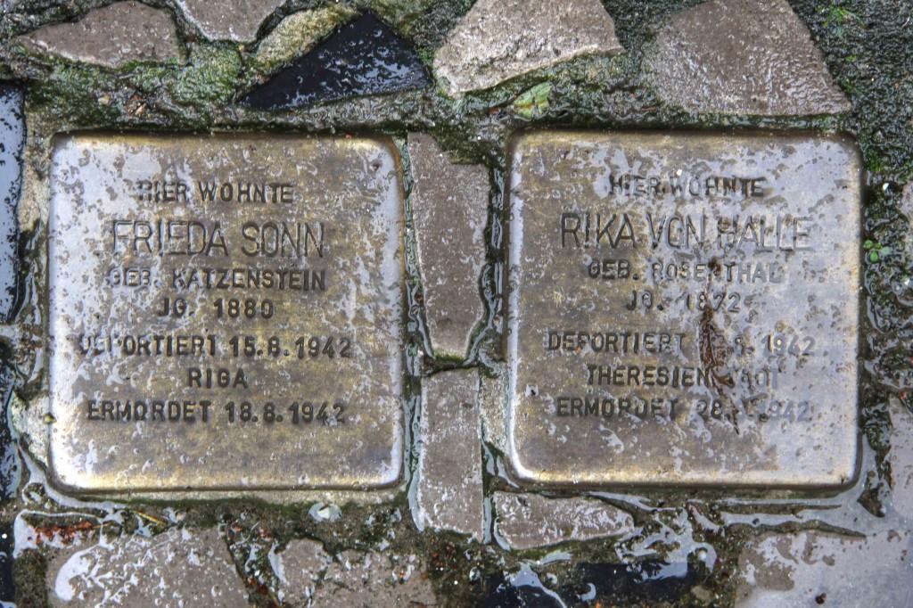 Stolpersteine Berlin 162: In memory of Frieda Sonn and Rika von Halle (Niebuhrstrasse 62)