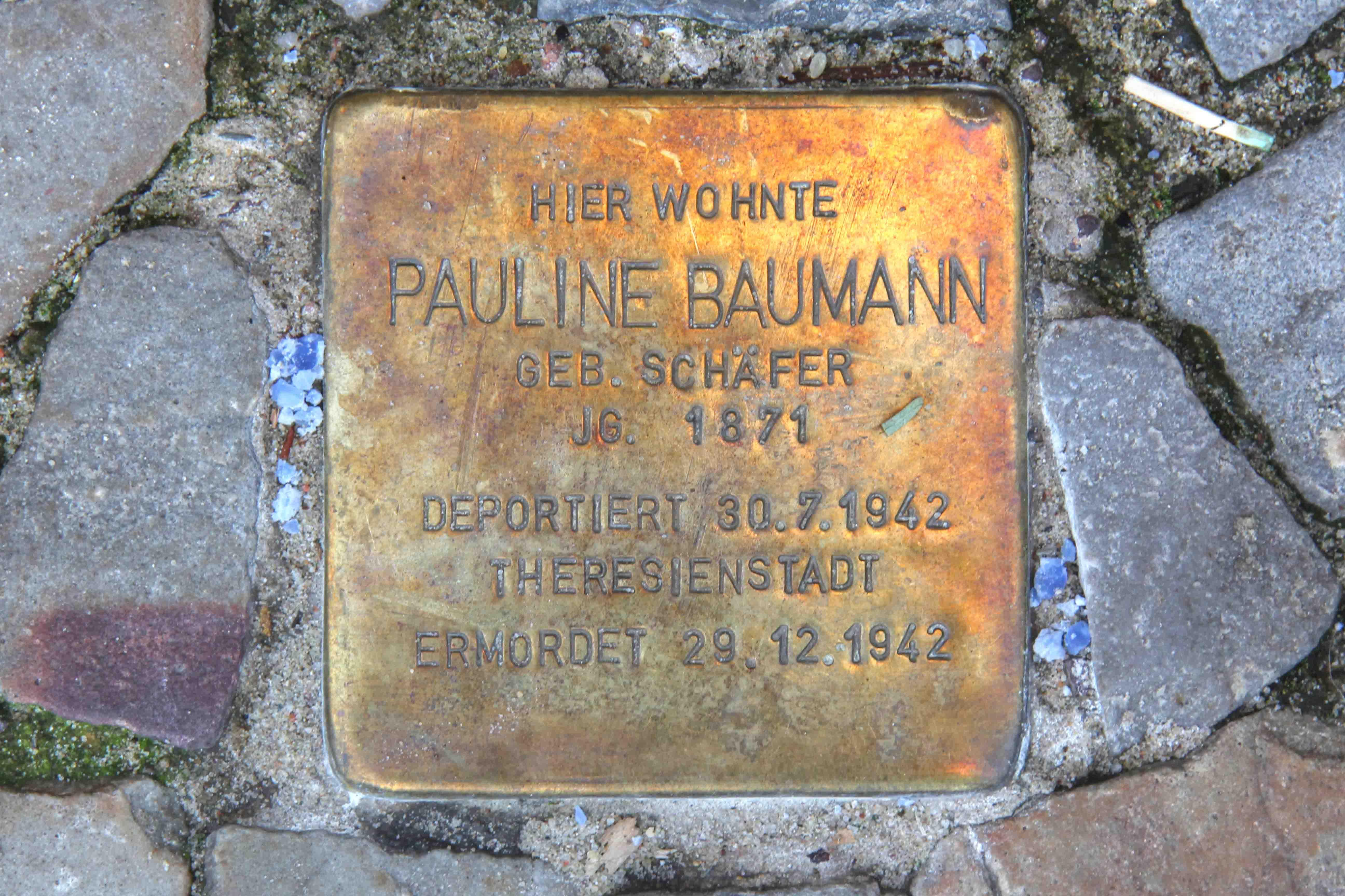 Stolpersteine Berlin 169 (1): In memory of Pauline Baumann (Leonhardtstrasse 5)