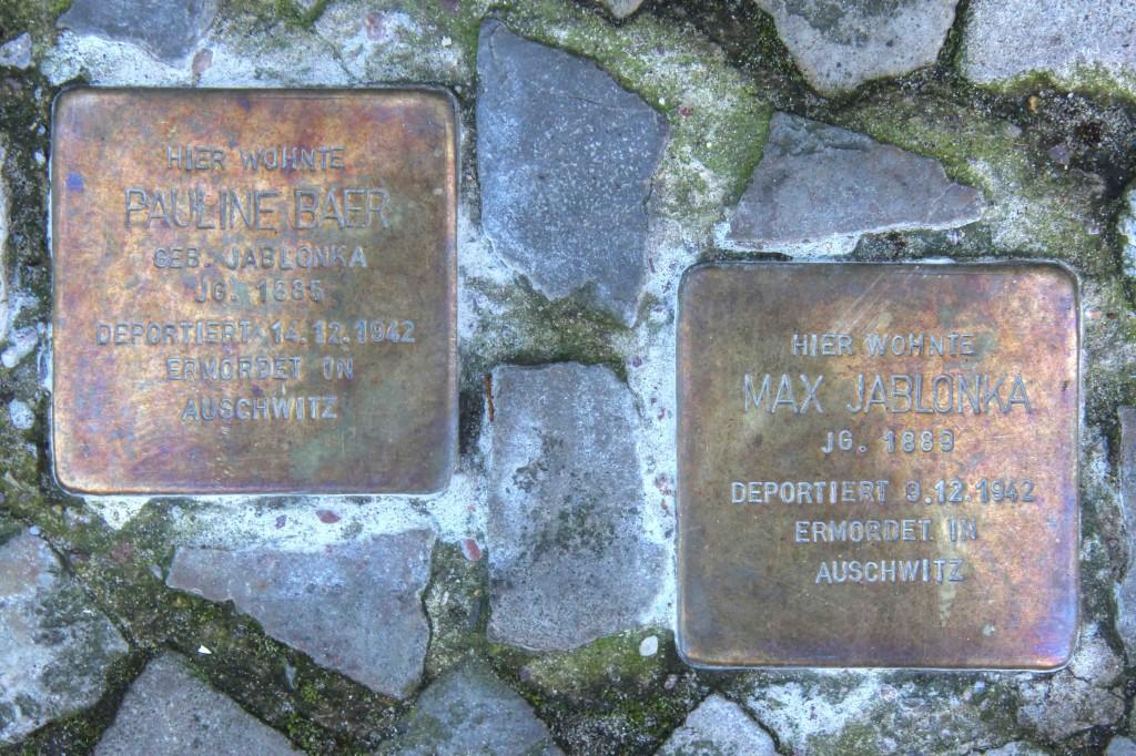 Stolpersteine Berlin 171(1): In memory of Pauline Baer and Max Jablonka (Leonhardtstrasse 18)