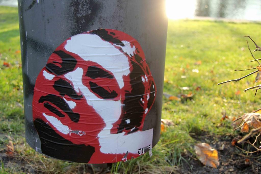 Sunburn - Street Art by Tius in Berlin