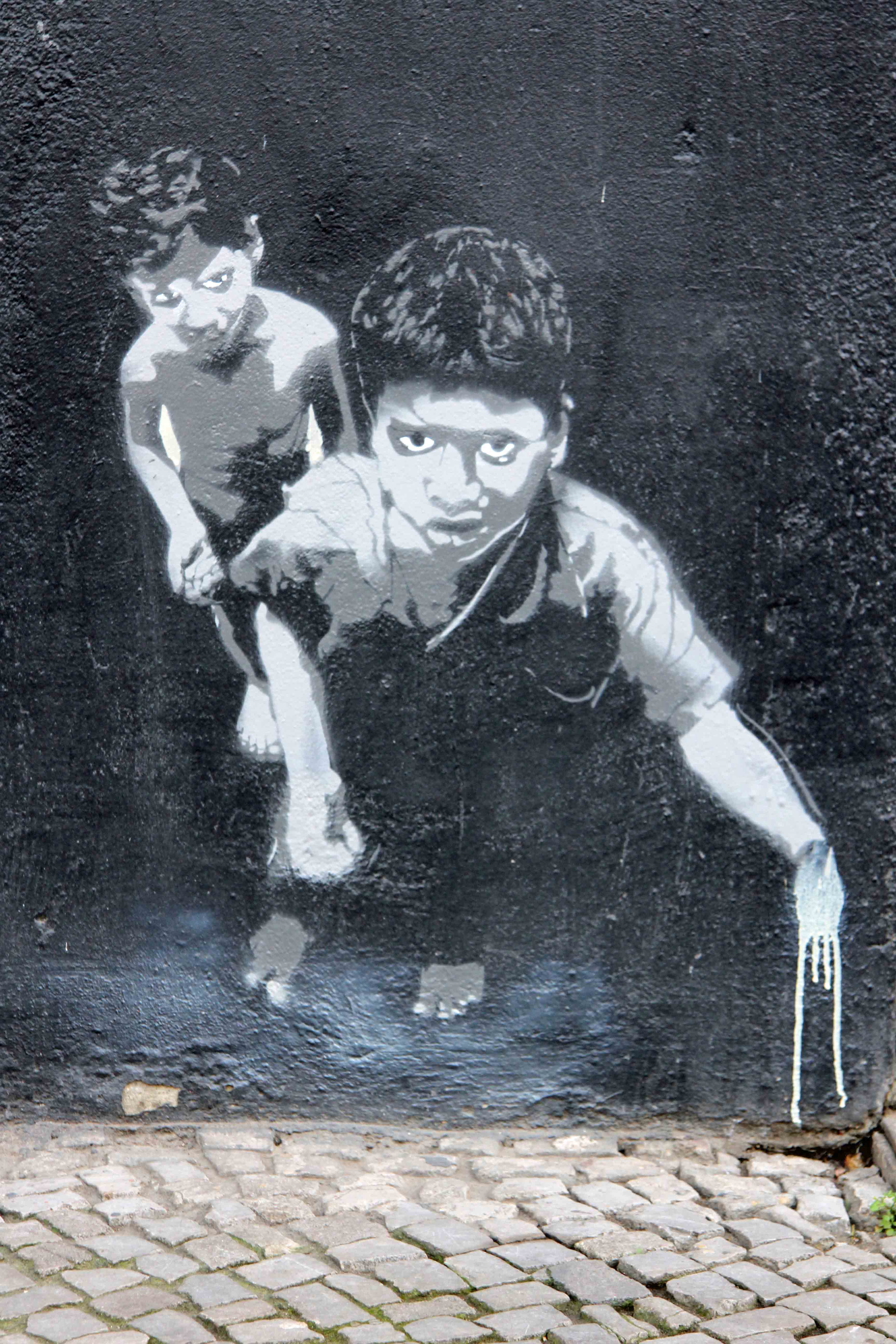 Street Kids - Street Art by Unknown Artist in Berlin