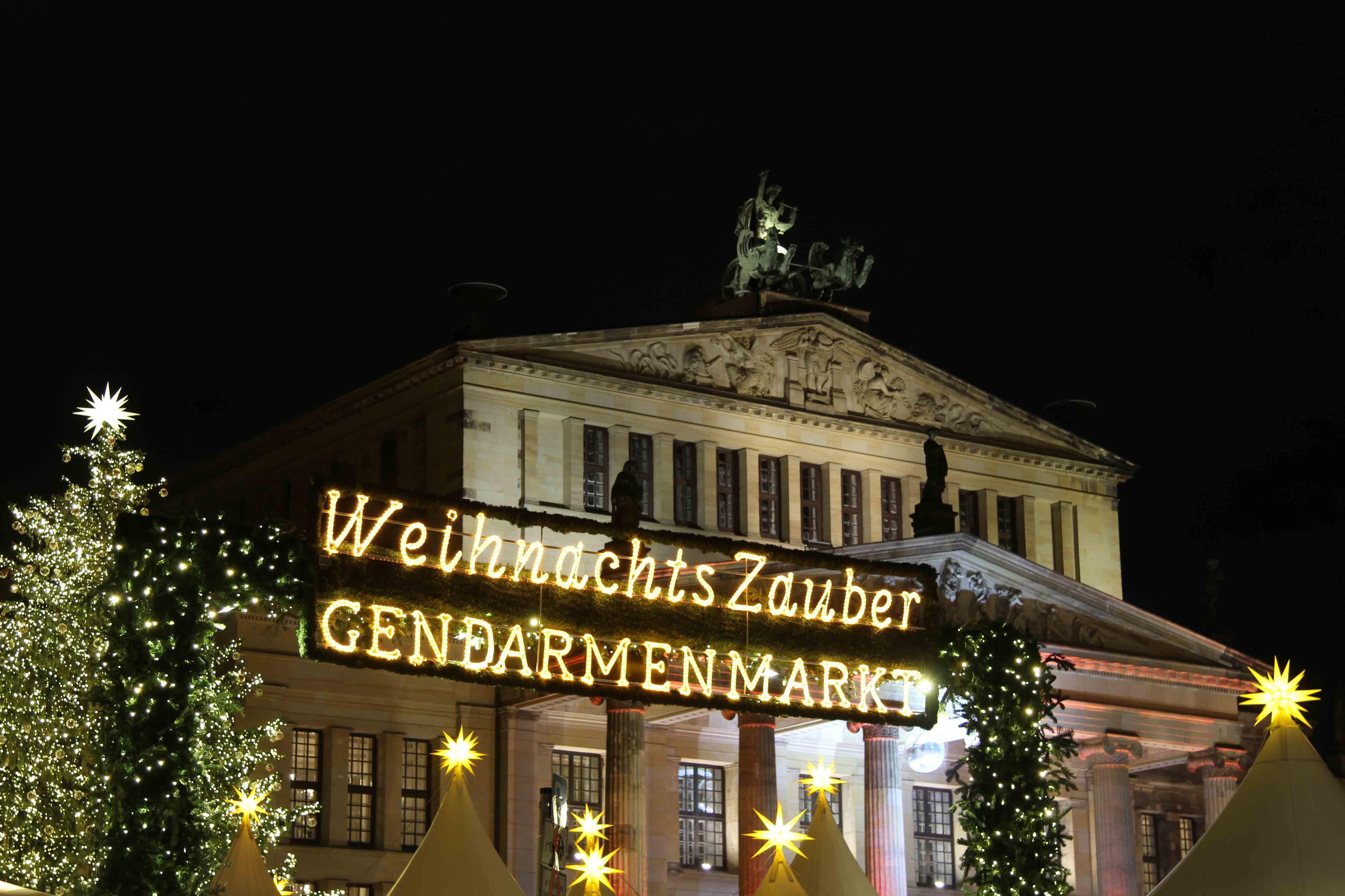 Weihnachtsmarkt Zauber Gendarmenmarkt - a Christmas Market in Berlin