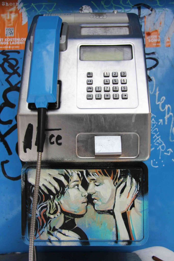 Love On The Telephone - Street Art by AliCé in Berlin