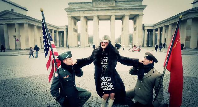 Berlin Ampel Style (screenshot from the Gangnam Style parody)