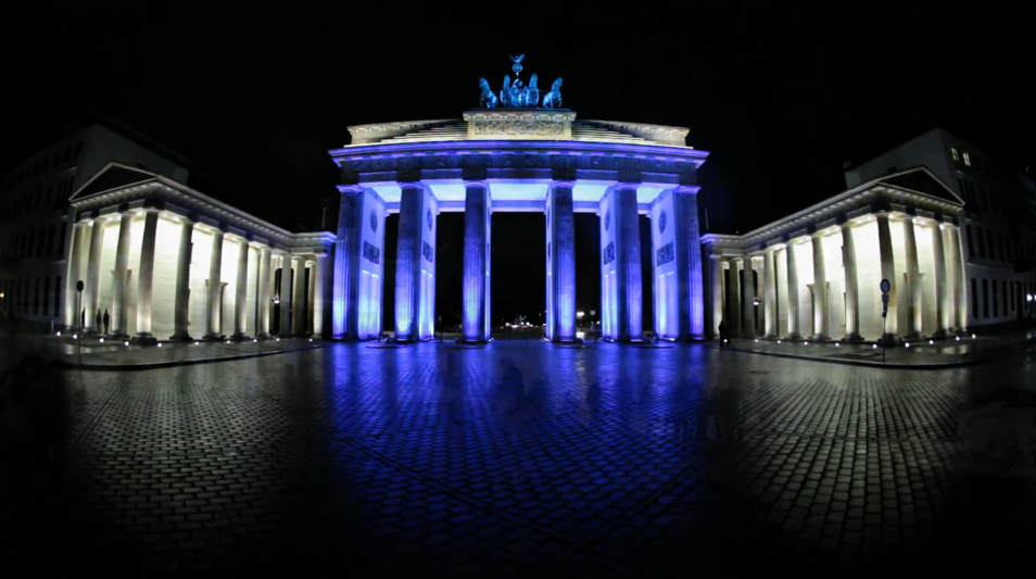 Brandenburger Tor (Brandbenburg Gate) Berlin Festival of Lights 2010 (screenshot from video by Matthias Makarinus)