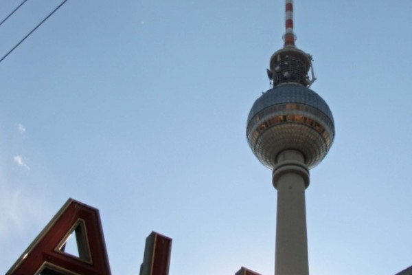 rp_fernsehturm-and-alexanderplatz-station-683x1024.jpg