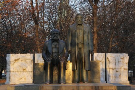 Marx-Engels-Forum Berlin - statue of Karl Marx and Friedrich Engels