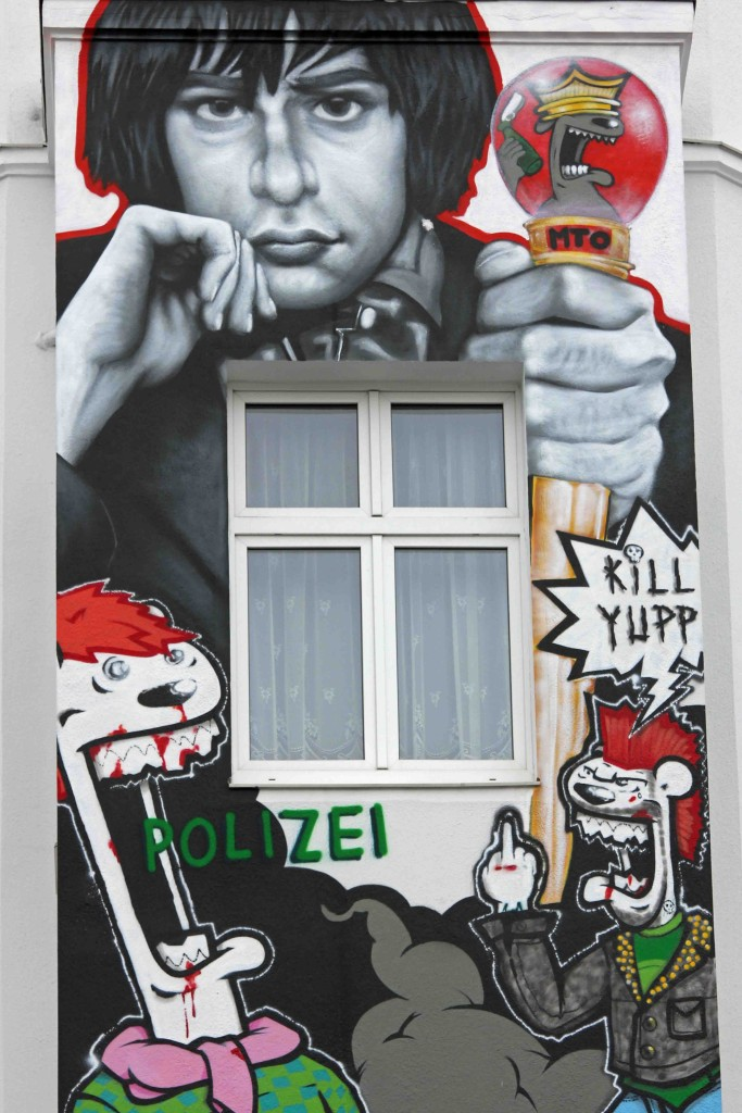 """Rio Reiser """"König von Kreuzberg"""" - Street Art by MTO in Berlin"""