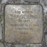 Stolpersteine Berlin 184 (2): In memory of Arthur Silbermann (Mommsenstrasse 45)