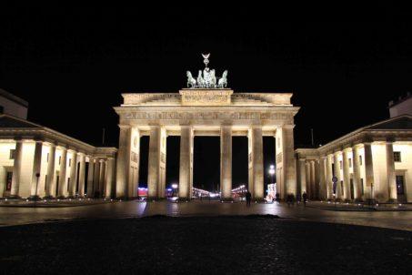 rp_brandenburger-tor-brandenburg-gate-at-night.jpg