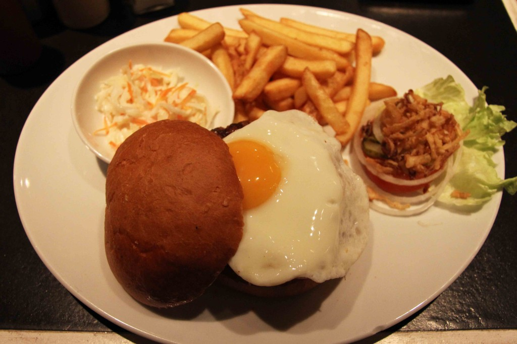 Breakfast Burger at Zsa Zsa Burger in Berlin Schöneberg