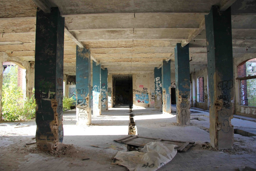 Crumbling Columns at Rewatex Berlin - an abandoned industrial laundry and dyeing factory