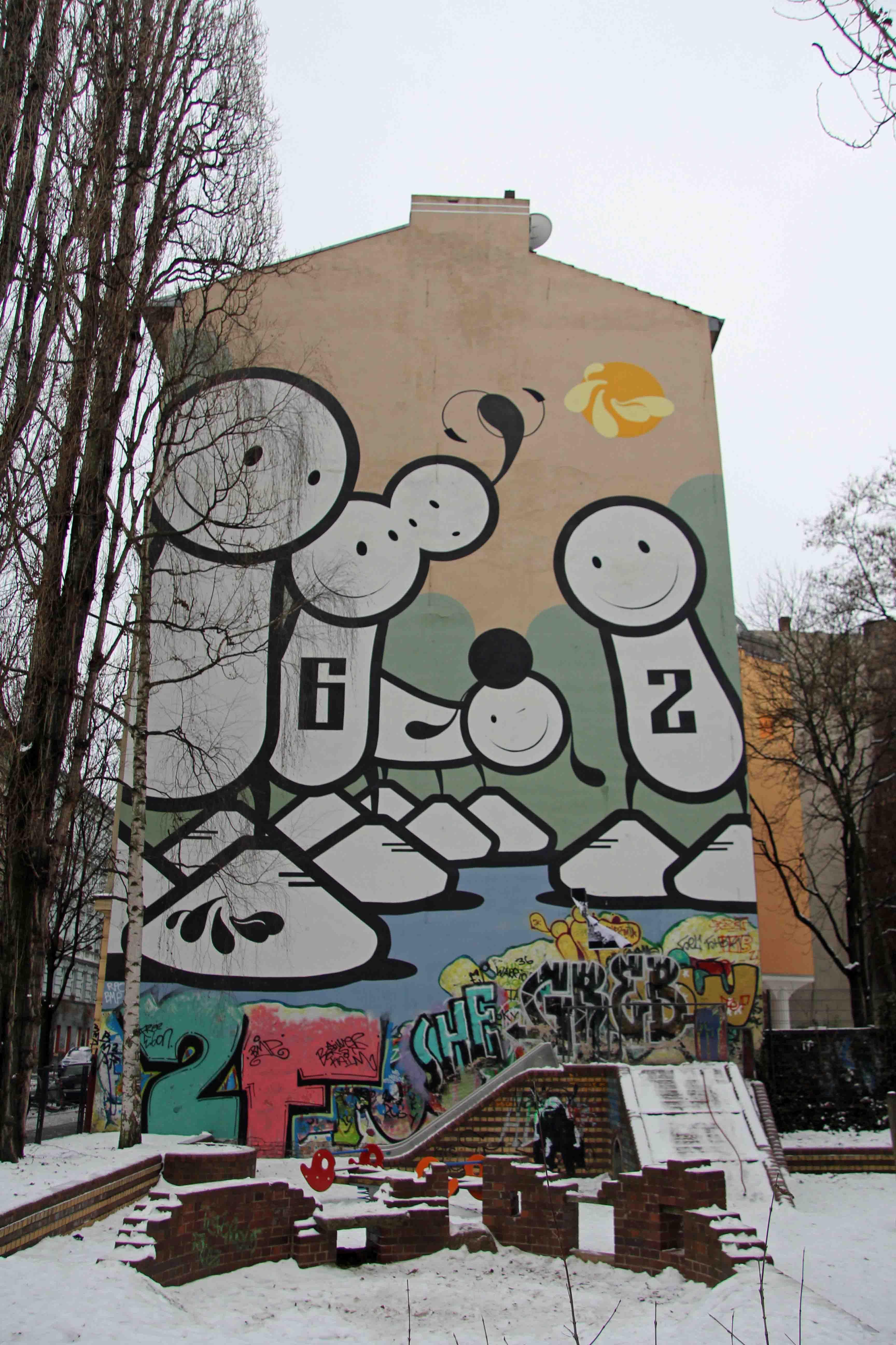 6-2 - Street Art by The London Police in Berlin