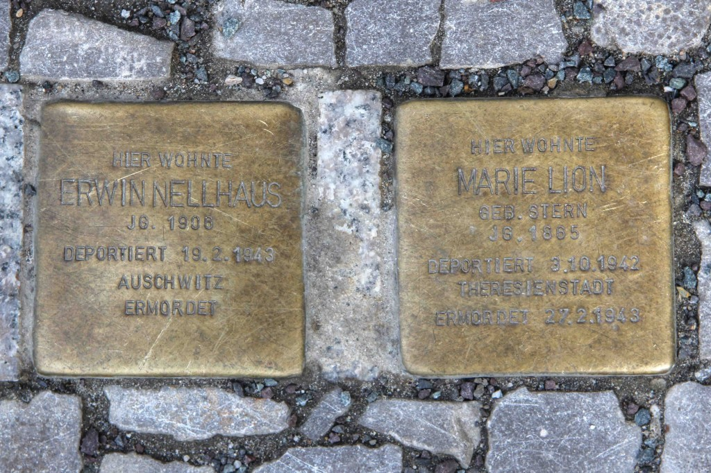 Stolpersteine Berlin 189 (2): In memory of Erwin Nellhaus and Marie Lion (Schlüterstrasse 54)