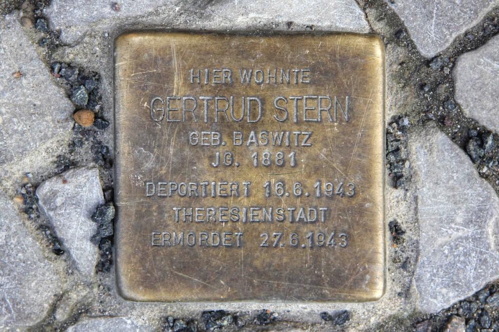 Stolpersteine Berlin 190 (2): In memory of Gertrud Stern (Schlüterstrasse 53)