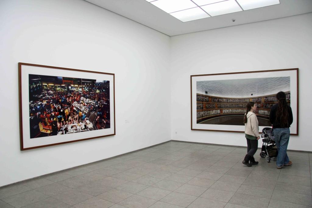 Andreas Gursky – Singapore Stock Exchange and Library (Bibliothek) - at Hamburger Bahnhof – Museum für Gegenwart