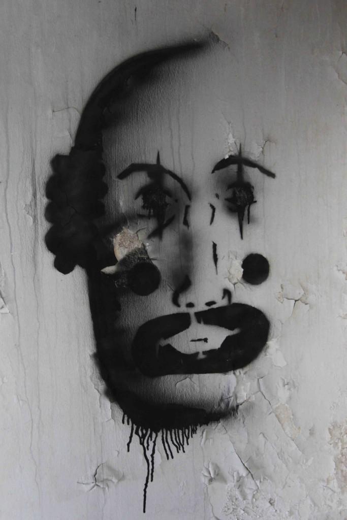 Clown Face - Abandoned Iraqi Embassy Berlin - Die Verlassene Irakische Botschaft