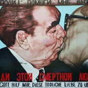 """The East Side Gallery – """"Mr Wowereit, DON'T tear down this wall!"""""""