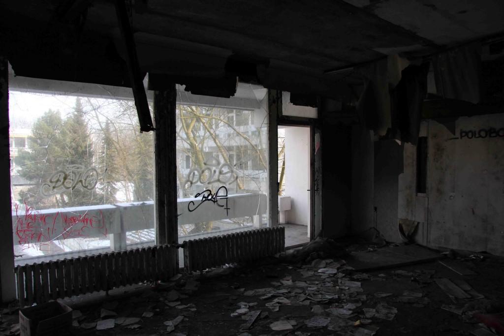 Draughty Room - Abandoned Iraqi Embassy Berlin - Die Verlassene Irakische Botschaft