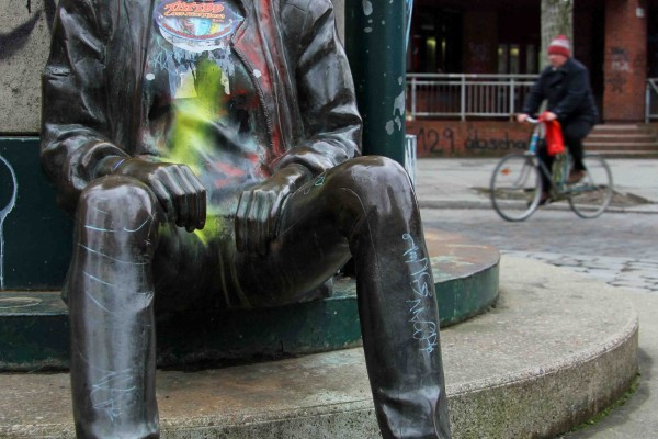 rp_punk-statue-in-kreuzberg.jpg
