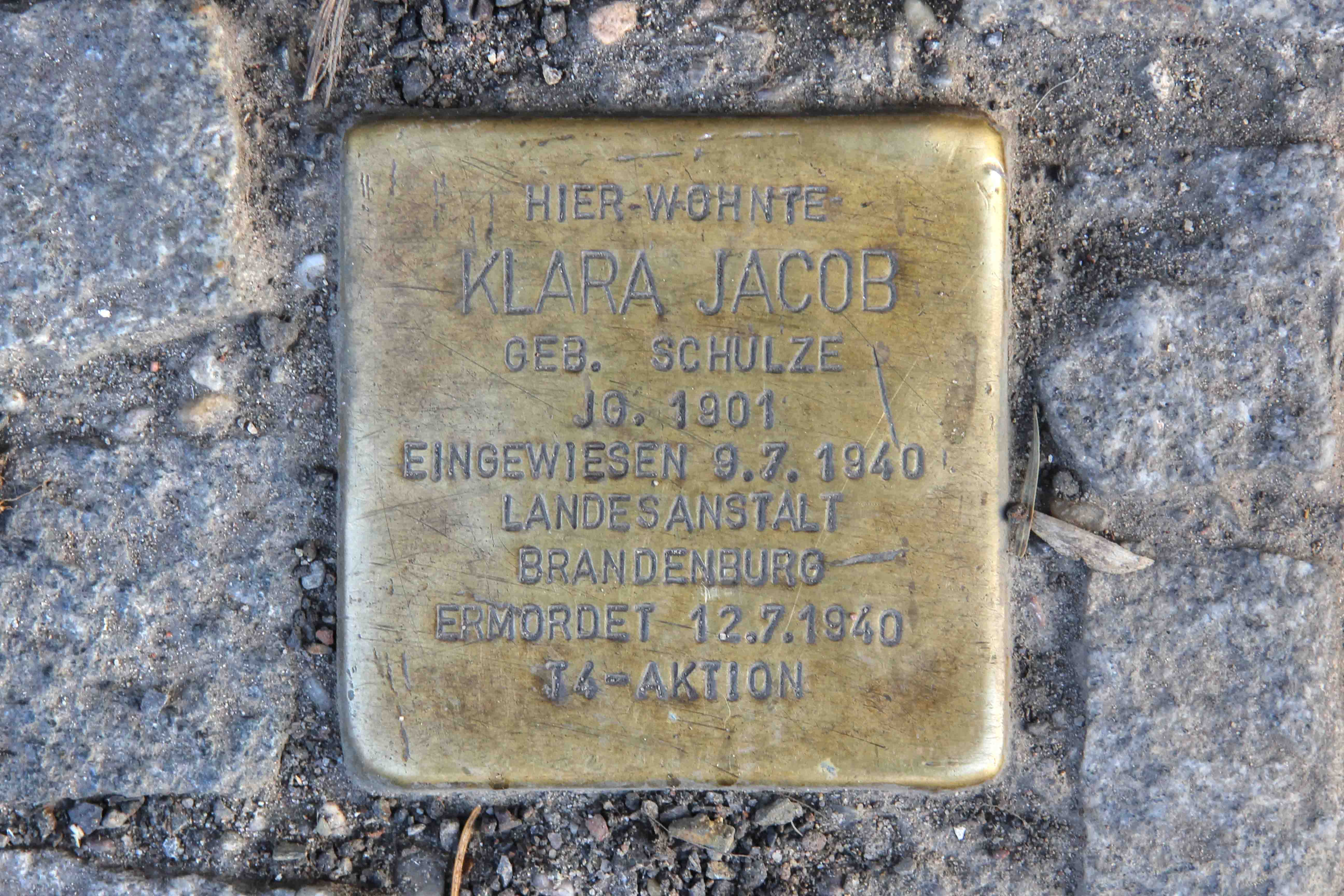 Stolpersteine Berlin 193: In memory of Klara Jacob (Silbersteinstrasse 97)