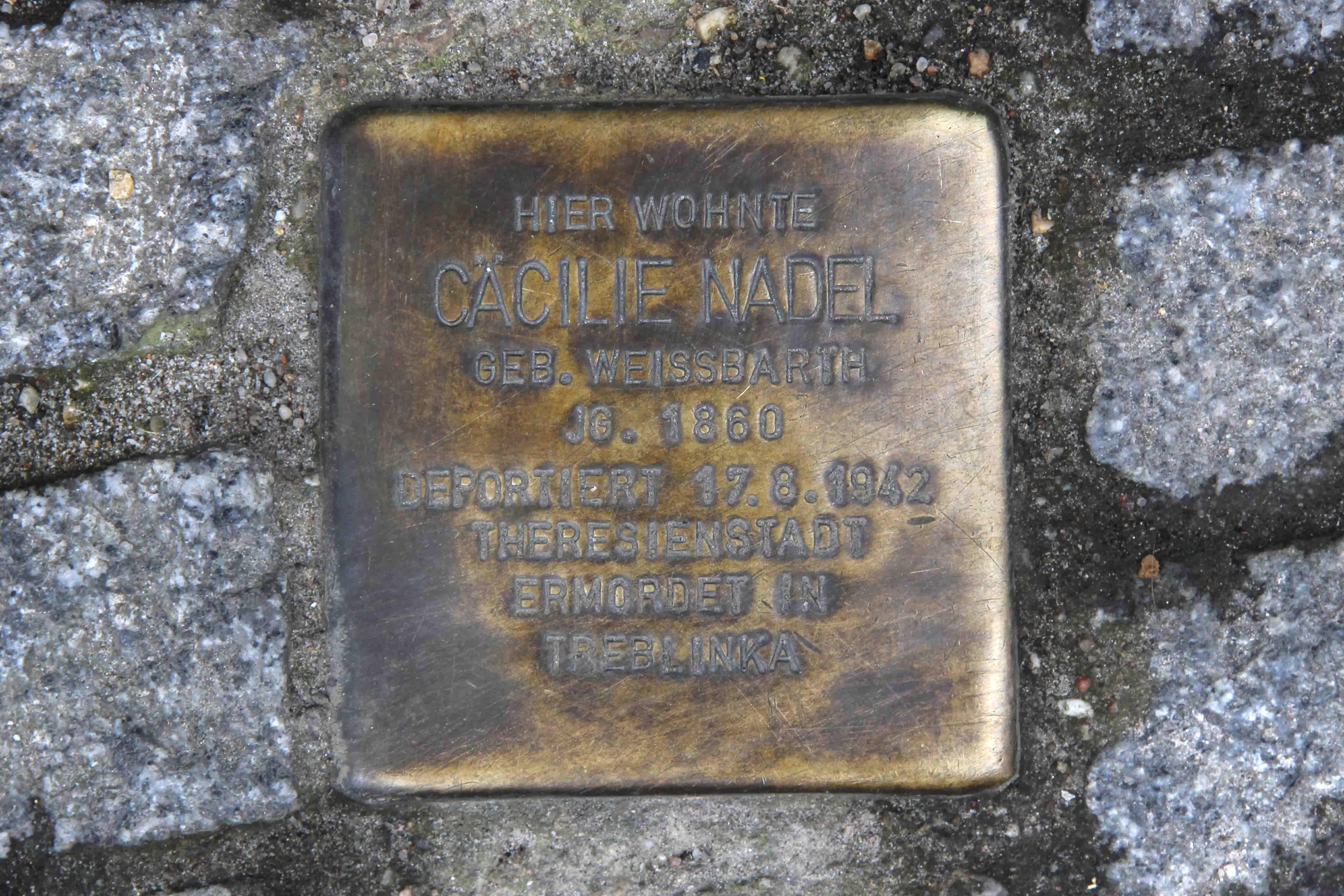 Stolpersteine Berlin 195: In memory of Cacilie Nadel (Admiralstrasse 23)