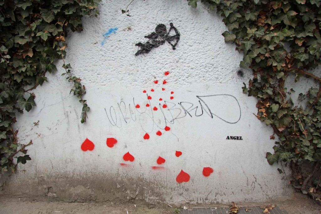Heart Dropping - Street Art by ANGEL in Berlin