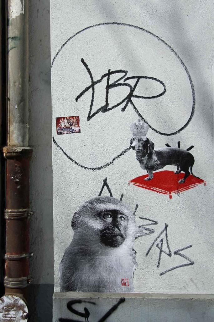 Adoration - Street Art by CAZ.L in Berlin